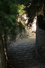 Out Of The Dark (gripspix (Grandpa 3.0!)) Tags: france dark frankreich lane provence dunkel gasse hyres 20140911