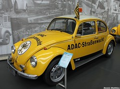 ADAC Beetle (Schwanzus_Longus) Tags: road white green museum vw bug germany volkswagen suburban saxony beetle german area cult vehicle customized 1200 service suburbs custom wolfsburg greenwhite adac kfer export 1300 mild type1 tuned typ kafer kaffer roadservice 11200 typ1 bugbeetle