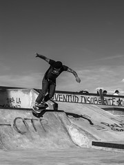 Bs Smith (homeroprodan) Tags: blackandwhite patagonia byn blancoynegro argentina skateboarding bs smith tattoos skatepark skate skateboard backside misfotos grind sk8 tatuajes byw trelew coping patineta