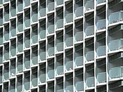 hotel patterns (kenjet) Tags: building geometric lines architecture hawaii hotel pattern waikiki oahu balcony row line rows balconies sheraton princesskaiulani geometricpattern sheratonprincesskaiulani
