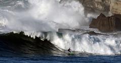 OSCAR GMEZ / 5727DRL (Rafael Gonzlez de Riancho (Lunada) / Rafa Rianch) Tags: beach sports surf waves playa surfing vagues olas cantabria deportes ondas loredo santamarina