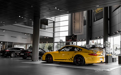 With added Vitamins / 5 (Raph/D) Tags: rouge porsche 911 997 gt3 rs gt3rs renn sport rennsport 911gt3 911gt3rs 38 flat 6 neunelfer german sportscar stuttgart zuffenhausen yellow jaune catchy colors rare paint sample special order phase 2 used car centre velizy retailer auto canon eos 7d mark ii canoneos7dmarkii l series lseries gelb speed vitesse added vitamins 2470mm ef2470mmf28liiusm garage showroom perfect track toy sporty