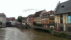 Petite France 2 (asmoth360) Tags: strasbourg petitefrance canal ill maisons colombages fleurs cluse coursdeau