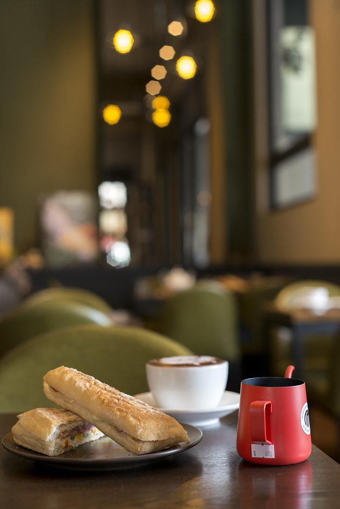 MT49 CAFE