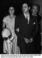 Ethel & Julius Rosenberg  Soviet Atomic Spies (2) (ngao5) Tags: adults americans communist crime defendant ethelrosenberg eyeglasses eyewear facialhair females few government halflengthportraits handcuffs hat headgear holding judicialproceedings juliusrosenberg males marxist men midatlantic middleaged mustache newyorkcity newyorkstate northamerica people portraits prominentpersons restraints spy treason trial trialofjuliusandethelrosenberg usa whites women