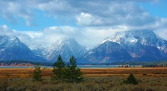 DSC_0040 (lckoch61) Tags: grandtetons landscape mountatin peak mountain valley sky cloud