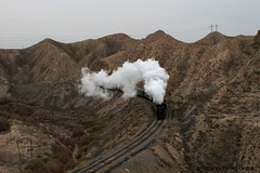I_B_IMG_8178 (florian_grupp) Tags: asia china steam train railway railroad bayin lanzhou gansu desert landscape loess mountains sy ore mine 282 mikado steamlocomotive locomotive