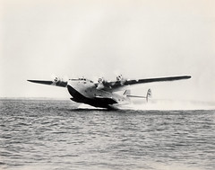 Pan American Boeing 314 Clipper NC18604, taking off, late 1930s (Proplinerman) Tags: aircraft boeing flyingboat 1939 airliner panamerican propliner boeing314 boeingclipper nc18604