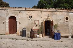 Souvenir shop (titan3025) Tags: italien italy italia sicily 2014 sizilien
