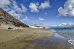 Risco del Paso (alcachofa1960) Tags: maana landscape nikon fuerteventura playa paisaje dia nubes jandia exodo nikond7000