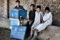 Shabir, 12 anni, Fayaz, 12 anni, Saqib, 8 anni, e Sudais, 6-7 anni