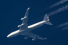 Lufthansa Boeing 747-430 D-ABVX (Thames Air) Tags: lufthansa boeing 747430 dabvx contrails telescope dobsonian overhead vapour trail