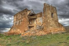 Decay building. HDR (Viktorsport) Tags: old building abandoned casa ruins decay victor ruinas royo viktorsport