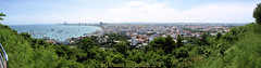 Pattaya Bay from Phra Tamnak Hill viewpoint, Chonburi Province, Thailand. (samurai2565) Tags: pattaya phratamnakhill beachroad thailand chonburi
