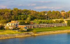 Riviera Villa Condos (Eridony) Tags: chattanooga hamiltoncounty tennessee northshore