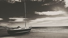 #Alnmouth #beach #black-and-white #yacht #clouds (chesser13) Tags: yacht clouds alnmouth black beach