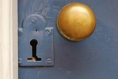 DSC_0128 (guyfogwill) Tags: cornwall doorwindows frenchlatch kingsand lock makerwithrame unitedkingdom gbr guy fogwill coast dutch latch