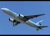 Boeing | 777-2B5/ER | Korean Air | HL7574 | Hong Kong | HKG | VHHH (Christian Junker | Photography) Tags: nikon nikkor d800 d800e dslr 70200mm teleconverter aero plane aircraft boeing b7772b5er b777200er b772er b777 b77e b772 b777200 koreanair ke kal ke604 kal604 koreanair604 hl7574 skyteam heavy widebody triple7 departure takeoff 25l airline airport aviation planespotting 28444 305 28444305 hongkonginternationalairport cheklapkok vhhh hkg clk hkia hongkong sar china asia lantau shalowan slw spota2 christianjunker wwwairlinersnet flickraward flickrtravelaward zensational hongkongphotos worldtrekker superflickers