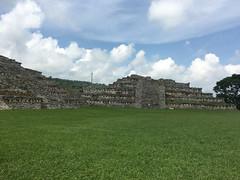 IMG_1721 (rad!x) Tags: cuetzalan cuetzalandelprogreso mexico puebla pueblomagico archeologicalsite arqueologia everyone totonacas vacation yohualichan