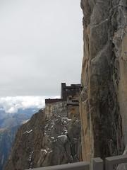 Tour De Mont Blanc, Alpen 211 (tomdebruycker) Tags: blue camping france mountains alps nature trekking walking geneve hiking lac du solo alpen midi courmayeur chamonix wandern montblanc refuge frenchalps tmb tourdumontblanc longdistance leshouches tourmontblanc aguille coldubonhomme