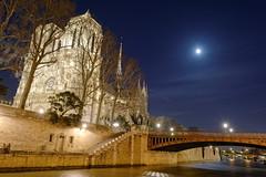 Notre dame de Paris (philippe sauvaget) Tags: paris monument seine ciel lumiere nuit cathedrale