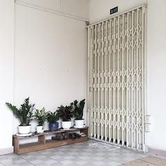 """Saigon"" in HCM (Khoaphm) Tags: corner minimal vietnam saigon oldbuilding sign vintagebuilding xinh mobilephotography oldblock vsco iphonography nhxinh vscocam chungcc"
