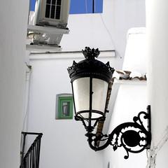 Adornos (Micheo) Tags: blanco wall pared farola streetlamp pueblo cal whie axarqua cmpeta