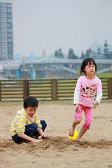 IMG_8548.jpg (小賴賴的相簿) Tags: kid child 台灣 台北 小孩 親子 兒童 新店 70d 55250 陽光運動公園 anlong77 anlong89 小賴賴