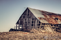 Abandoned - Barn (AP Imagery) Tags: abandoned barn rural decay farm kentucky ky country