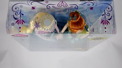 Anna and Elsa Summer Solstice Gift Set - US Disney Store Purchase - Boxed - Full Top View (drj1828) Tags: summer anna frozen us doll solstice boxed purchase elsa disneystore fever 12inch posable 2015