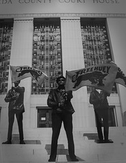 'Free Huey' (Greatest Paka Photography) Tags: freehuey hueynewton blackpantherparty bobbyseale africanamerican history blackamerican oakland alamedacounty courthouse blackpower confrontation rally protest conviction murder manslaughter pirklejones