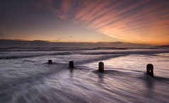 Morning rays (Elidor.) Tags: sunrise spittal d90 elidor northumberland northeast groynes