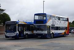 Stagecoach South 27653 (GX10 KZF)  and 16752 (R752 DRJ) Chichester 24/7/16 (jmupton2000) Tags: gx10kzf coastliner 700 alexander dennis enviro 300 r type leyland volvo olympian r752drj stagecoach south uk bus southdown coastline
