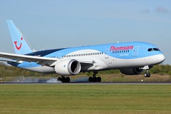 G-TUIC (AnDrEwMHoLdEn) Tags: manchester airport thomson manchesterairport 787 egcc dreamliner 05r