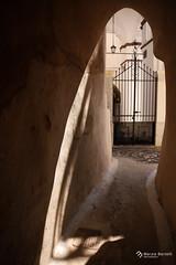 _ (marziabertelli) Tags: santorini viaggio wild scoperta grecia italy viaggiatori ombre bwn seppia cancello vicolovicoletto stradina strada
