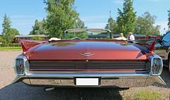 1962 Cadillac (crusaderstgeorge) Tags: crusaderstgeorge cars classiccars chrome 1962 cadillac 1962cadillac americancars americanclassiccars americancarsinsweden redcars gvle gvleborg sweden sverige jrnvgsmuseet jrnvgsmuseum railwaymuseum carmeet