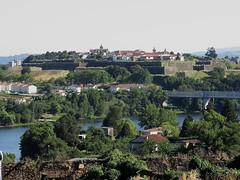VALENA DO MIO - LA FORTALEZA VISTA DESDE LA CATEDRAL DE TUY (mflinera) Tags: valena do mio portugal fortaleza