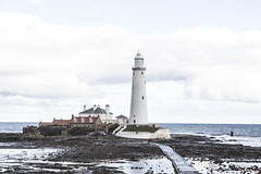 St Marys Lighthouse (stuartnorman1) Tags: north sea lighthouse whitleybay rocks seaside rockpools causeway