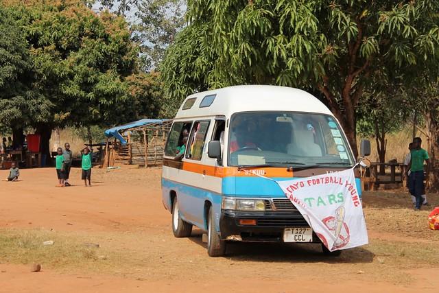 bus 2 football (1024x683)