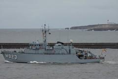 M314 Sakala, M341 Karmoy, M864 Hr Ms Willemstad, M923, Narcis, A960 Godetia, M1058 Fulda leaving the River Tyne, 10/2012 (SteveT0191) Tags: m923 ais ship warship