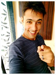 Hehe, you are so funny #pointingfingeratyou #forbeing #soawesome (girishhemnani) Tags: soawesome forbeing pointingfingeratyou
