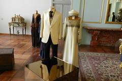 Palacio Museo Niavarn vestidos reales Tehern Irn 05 (Rafael Gomez - http://micamara.es) Tags: museum iran royal persia palace dresses museo tehran  palacio irn   vestidos niavaran  reales  tehern  niavarn