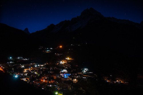 "Everest Base Camp -  Namche by night <a style=""margin-left:10px; font-size:0.8em;"" href=""http://www.flickr.com/photos/125852101@N02/15919371924/"" target=""_blank"">@flickr</a>"