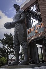 """Cha Cha"" - Orlando Cepeda (SF Giants) (Greatest Paka Photography) Tags: sculpture bronze baseball halloffame giants chacha ballpark sculptor secondstreet sanfranciscogiants orlandocepeda attpark williambehrends"