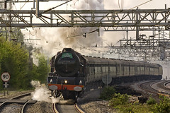 188004 (Kev Gregory) Tags: london elizabeth princess no buckinghamshire curves great north cathedrals here class steam crewe round dreams works april pace locomotive express powers truly approach majestic 16th seen euston wolverton lms sounding 2011 462 6201 at 1z90