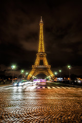 Golden Eiffel (Sergio Sánchez Pérez) Tags: street paris tower sergio calle torre eiffel sanchez suelo perez adoquines pavés