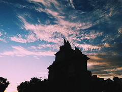 Madrid y sus atardeceres (Yael Guilln) Tags: mayrit madrid spain espaa capital sky cielo nubes azul blue clouds feelings sunset sun atardecer emotional emocionante lovely adorable traveltheworld cool summer summerfeelings summersky puertadetoledo history high piedra