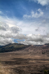 Bromo, Indonesia (pas le matin) Tags: world voyage travel sky cloud clouds canon indonesia landscape volcano asia outdoor ciel 7d asie nuages paysage bromo volcan indonsie canoneos7d canon7d
