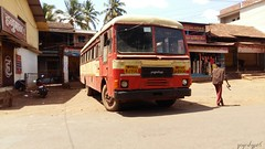 msrtc bus standing in pachal bus stand (yogeshyp) Tags: msrtc pachalbusstand