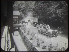 OUTSIDE CAVES HOUSE, JENOLAN CAVES - circa 1910 (Aussie~mobs) Tags: caveshouse jenolancaves newsouthwales australia vintage 1910 automobile car